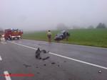 Titelbild des Albums: Verkehrsunfall B12 Höhe Großthannensteig PKW prallt gegen LKW am 15.08.2008